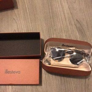 Illesteva Marlene leopard sunglasses